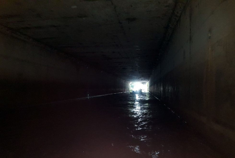 Kayaking-Wandle-entering-tunnel