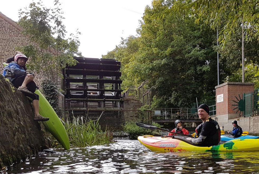 Kayaking-Wandle-get-on-Merton-Abbey-Mills
